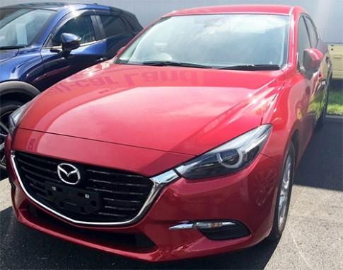 Mazda3 2017 lộ diện ngoài đời thực