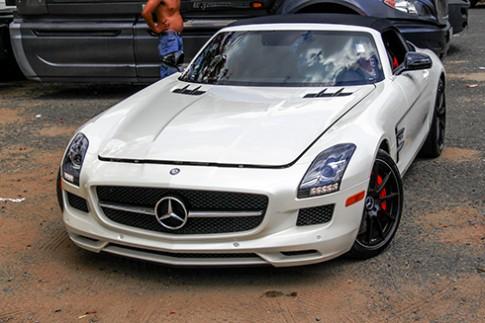 Mercedes SLS GT Roadster - siêu xe mui trần hàng hiếm Việt Nam