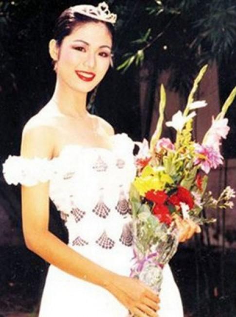 Nhan sắc Hoa hậu Thu Thủy sau 22 năm đăng quang