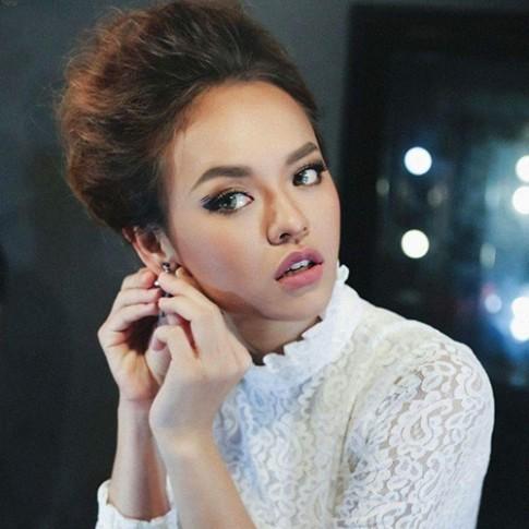 Nhan sắc thất thường của cô gái nhiều scandal nhất The Face Việt Nam