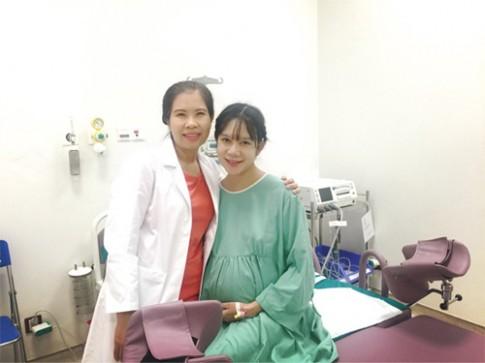 Nữ bác sĩ sản khoa kể chuyện 4 lần đỡ đẻ cho vợ ca sĩ Lý Hải