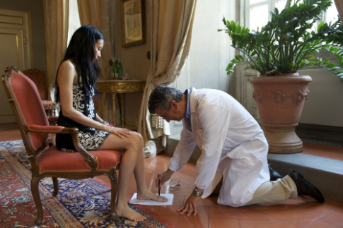 Salvatore Ferragamo đưa nghệ thuật đóng giày thủ công đến Việt Nam