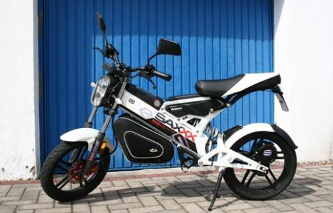 Saxxx MadAss - xe máy cho dân chơi giá gần 3.400 USD