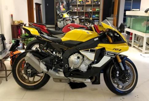 Siêu môtô R1 đặc biệt về Việt Nam giá 650 triệu