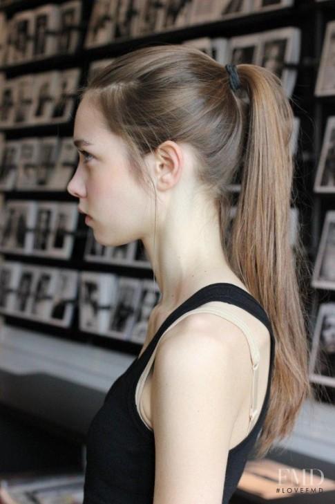 Tiết lộ 4 cách chăm sóc làm đẹp tóc cực đơn giản của các siêu mẫu thế giới