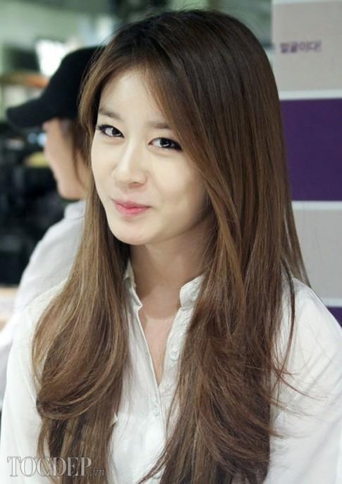 Tóc dài uốn xoăn gợn sóng đẹp 2016 cho nàng quyến rũ như sao Hàn Quốc