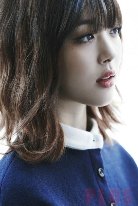 Tóc ngắn xoăn nhẹ đẹp bồng bềnh 2016 của ca sĩ Sulli Hàn Quốc