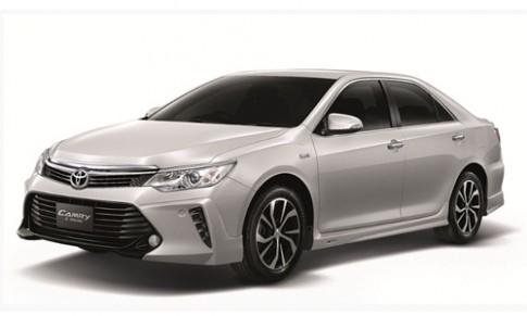 Toyota Camry 2016 nâng cấp giá từ 40.200 USD