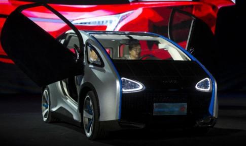 Trung Quốc trình làng ôtô chạy pin năng lượng mặt trời