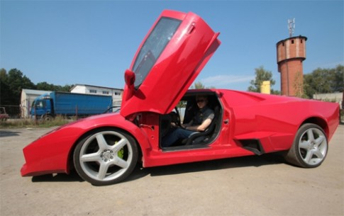 Tự chế siêu xe Lamborghini Reventon