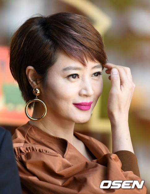 17 năm sau Thành thật với tình yêu, Kim Hye Soo vẫn đẹp như vậy!