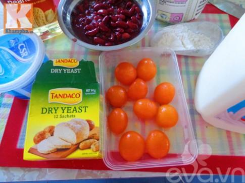 Bánh bao nhân đậu đỏ trứng muối siêu hấp dẫn