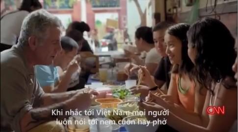 """""""Bún chửi"""" nổi tiếng HN được khen trên truyền hình Mỹ"""