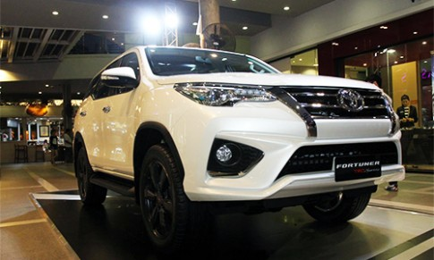 Chi tiết Toyota Fortuner TRD Sportivo 2016