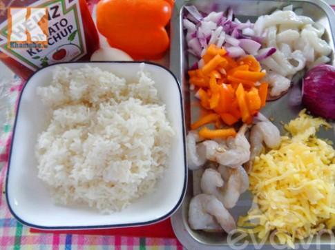 Cơm hải sản đút lò tuyệt ngon cho bữa sáng