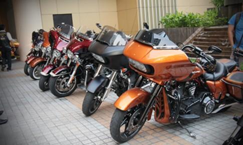 Dàn Harley-Davidson tụ hội ở trung tâm Sài Gòn