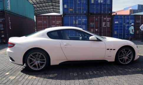 'Dap thung' bo doi sieu xe Maserati 2016 dau tien tai Viet Nam