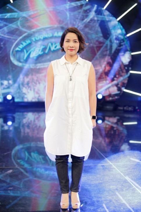 Diva Mỹ Linh xinh đẹp đi dạy hát cho thí sinh Vietnam Idol