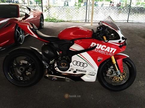 Ducati 1199 Panigale siêu chất bên một loạt phụ tùng hàng hiệu
