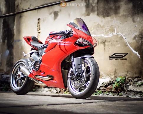 Ducati 899 Panigale gợi cảm và hấp dẫn chẳng thua gì đàn anh 1199