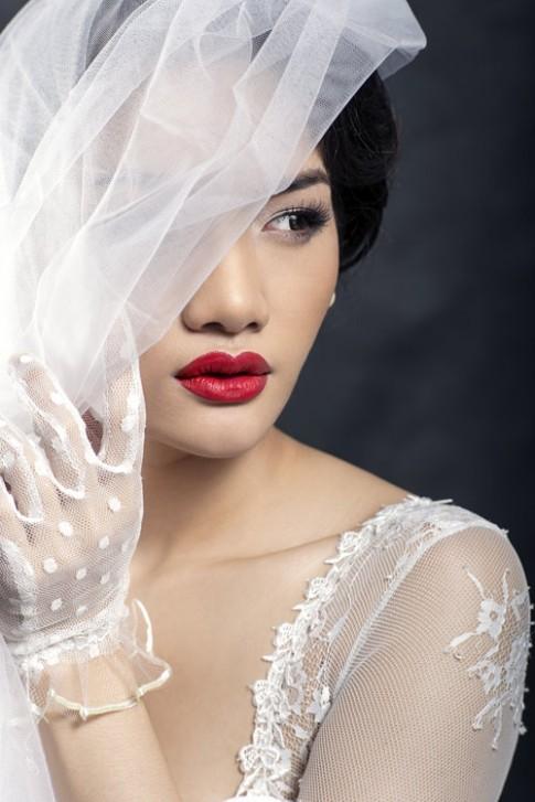 Gợi ý tóc đẹp cho nàng dâu ngày cưới
