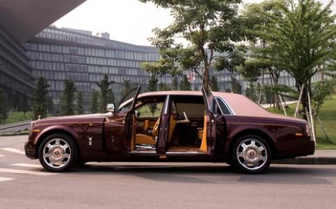 'Hàng thửa' Rolls-Royce Phantom Lửa thiêng độc nhất Việt Nam