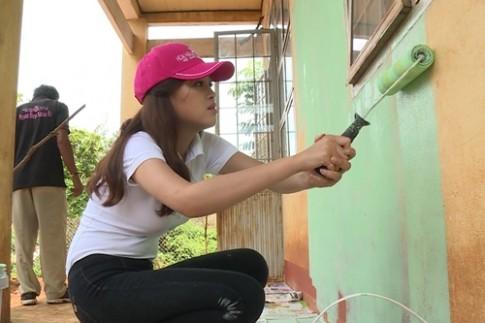 Hoa hậu Việt Nam 2016: Thí sinh tiềm năng bị nhắc nhở vì vụng về