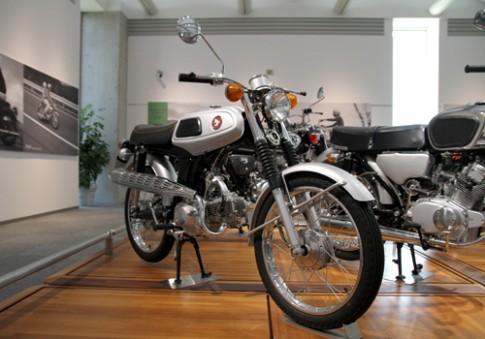 Honda SS50 đời 1967 hàng hiếm tại quê nhà