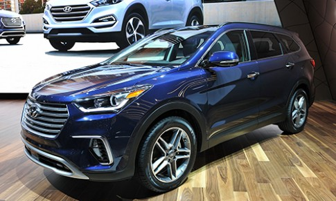 Hyundai Santa Fe 2017 giá từ 25.350 USD tại Mỹ
