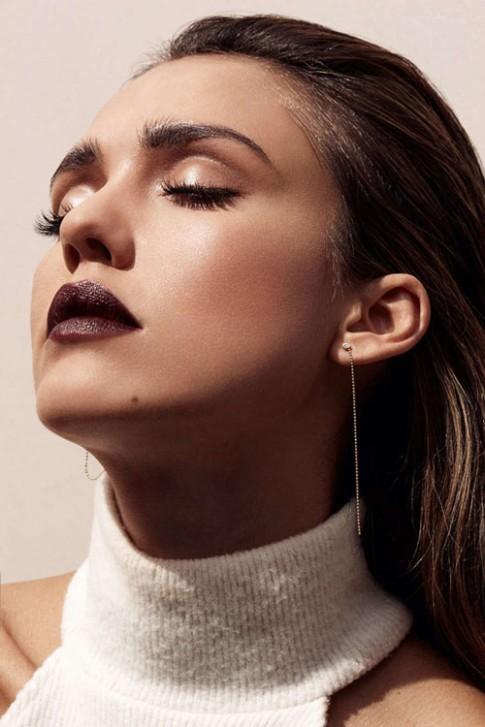 Jessica Alba quyến rũ chết người trên tạp chí