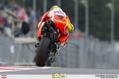 Kết quả phân hạng MotoGP: Andrea Iannone có pole đầu tiên