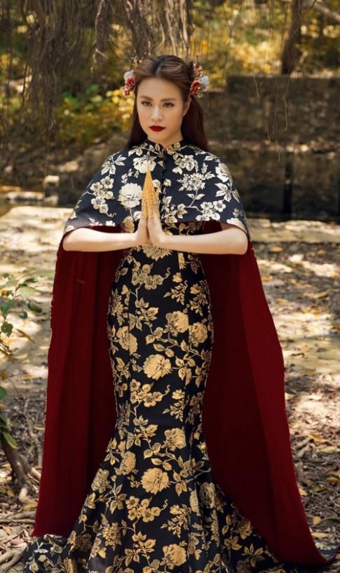 Lộng lẫy trong MV mới nhất nhưng Hoàng Thùy Linh lại bị nghi mặc váy nhái