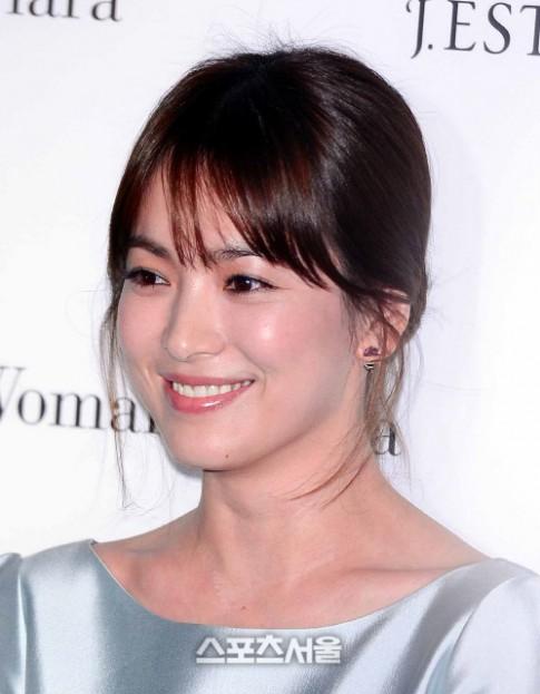 Mua nhà trăm tỷ, Song Hye Kyo bị cư dân Hàn 'ném đá'