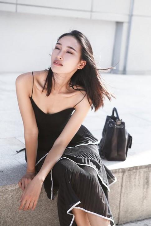 Nàng ngực lép vẫn quyến rũ được như Trang Khiếu!
