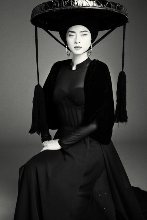 Ngô Thanh Vân lạnh lùng, ma mị với gam màu đen