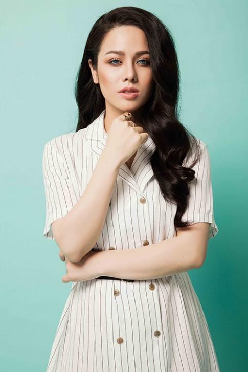 Nhật Kim Anh gây ngỡ ngàng vì trẻ đẹp như nữ sinh
