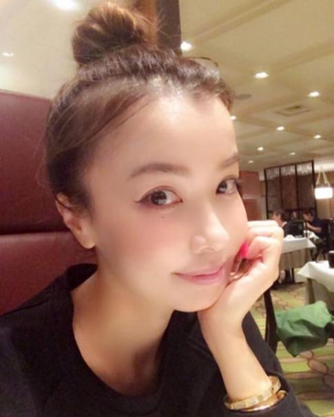 Nữ ca sĩ Nhật 45 tuổi nhìn như 25 sẽ khiến bạn phải tức tốc giữ gìn nhan sắc
