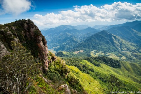Phượt thủ khỏa thân ở Sơn La khiến dân mạng bất bình