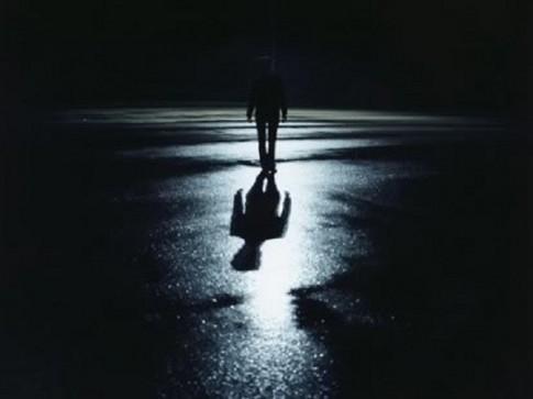 Tháng cô hồn: Sự thật đi đêm không ngoảnh đầu lại vì ma trêu?