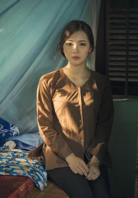 Thôn nữ gây sốt vì xinh đẹp dịu dàng nhất vịnh Bắc Bộ
