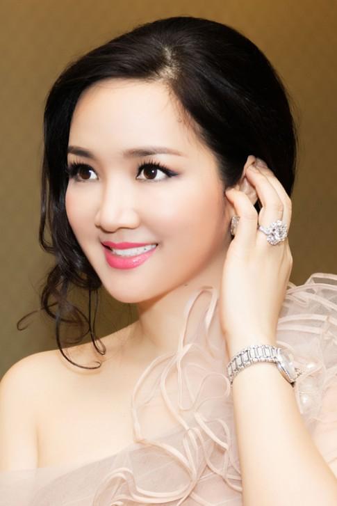 Top 4 mỹ nhân U40,50 đẹp hơn gái 18 của showbiz Việt