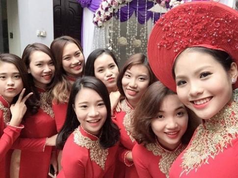 Vợ sắp cưới của Chí Anh xinh đẹp rạng rỡ trong ngày ăn hỏi