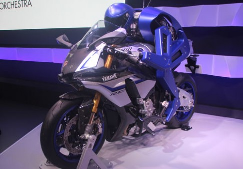 Yamaha phát triển robot lái môtô