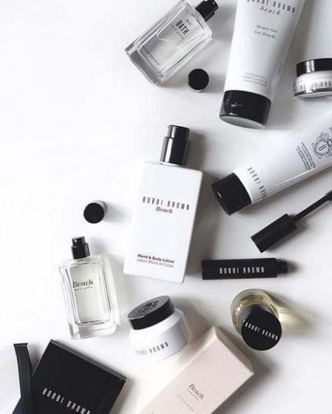 6 sản phẩm cần được bỏ ngay ra khỏi túi đồ trang điểm của bạn