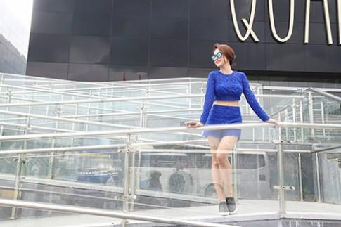 Angela Phương Trinh khoe dáng nuột nà trên du thuyền triệu đô