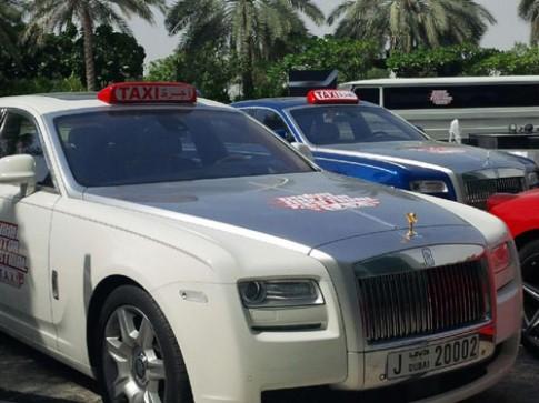 Ảnh dàn siêu xe làm taxi miễn phí tại Dubai