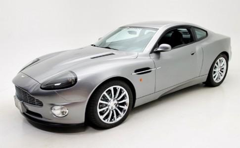 Aston Martin 007 hàng nhái