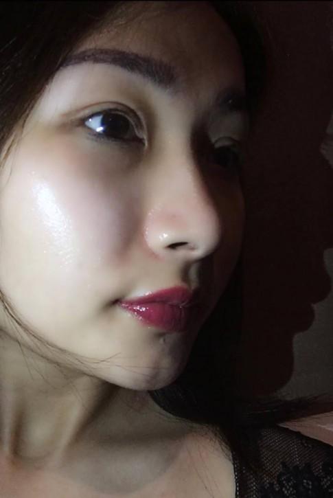 Bà mẹ một con gây bất ngờ vì làm đẹp da bằng cơm thiu
