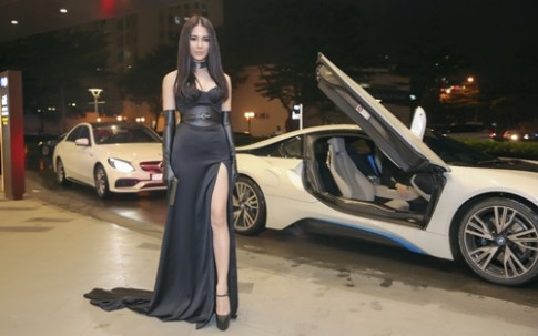 Bạn trai lái siêu xe tháp tùng Diệp Lâm Anh đi ra mắt phim