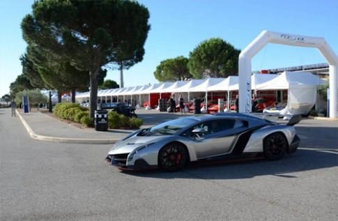Bộ đôi Lamborghini Veneno